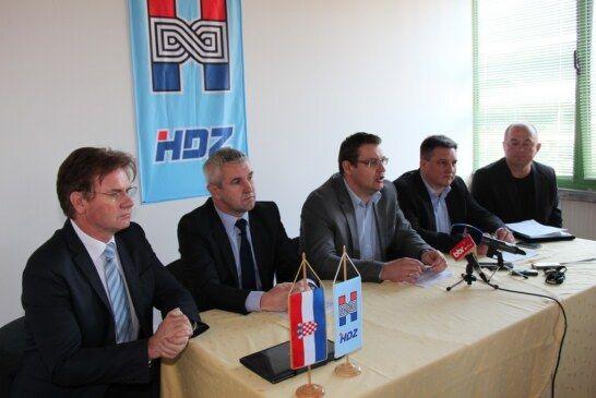 HDZ održao konferenciju za novinare na Proljetnom međunarodnom bjelovarskom sajmu