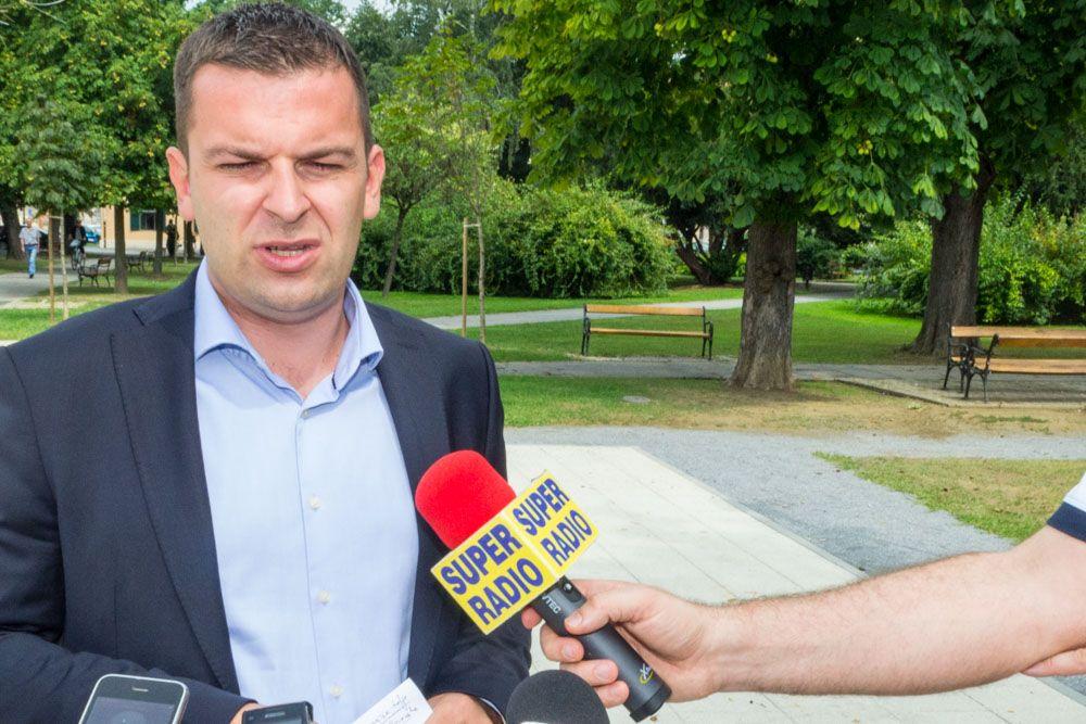 2016 08 Hrebak predizborna kampanja Bjelovar 3