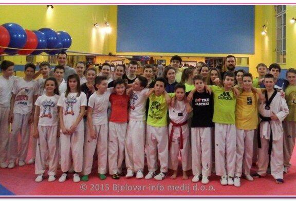 Foksići na treningu u taekwondo klubu Jastreb