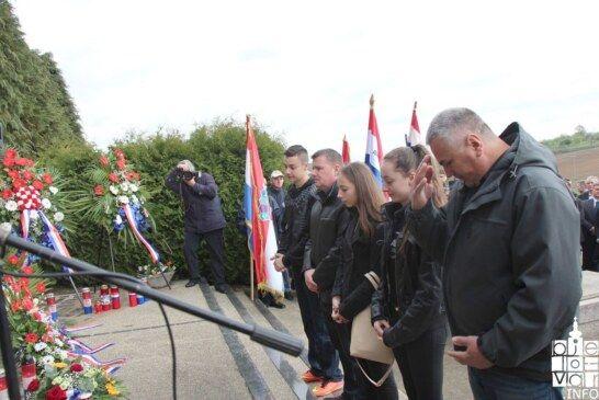 Vrijeme za istinu: HSP Bjelovarsko bilogorske županije odao počast žrtvama u Donjim Mostima