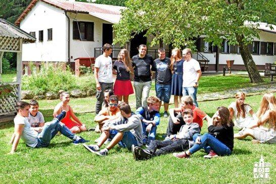 Međunarodni tjedan mladih proširio granice države u edukaciji, pjesmi, plesu i druženju!