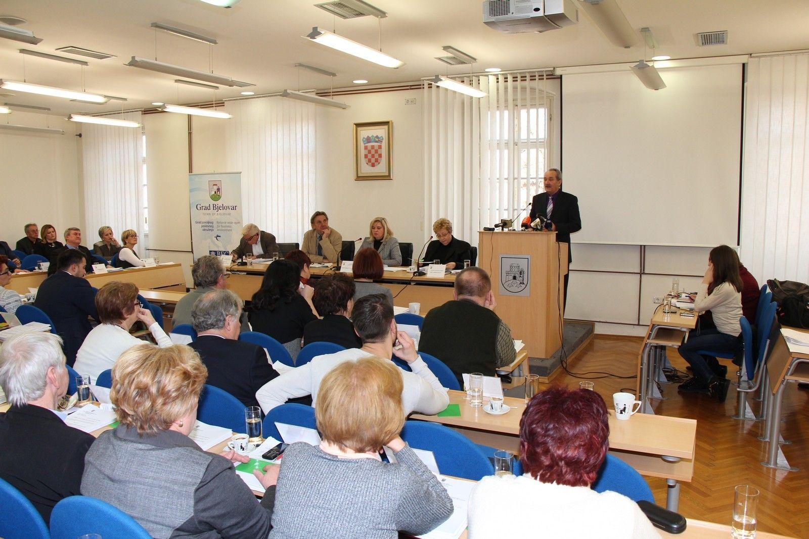 Aktualni sat Gradskog Vijeća Grada Bjelovara uoči donošenja proračuna za 2017.