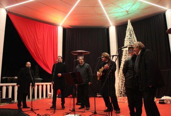 """Posjetitelji manifestacije """"Božić u Bjelovaru"""" uživali u koncertu Klape Bjelovar"""
