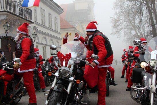 U Bjelovaru održano tradicionalno kićenje bora djece s predstavnicima Grada Bjelovara