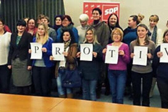 Članice Foruma žena ŽO SDP-a Bjelovarsko-bilogorske županije glasaju PROTIV