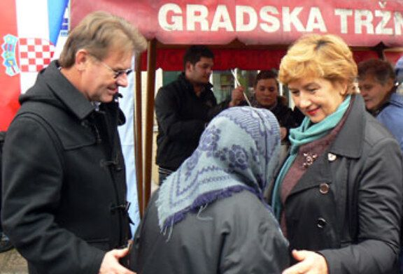 Na bjelovarskoj tržnici s građanima se družili i Hadezovci