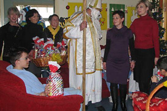 ŽO HSLS-a organizirala podjelu darova djeci na dječjem odjelu Bjelovarske bolnice