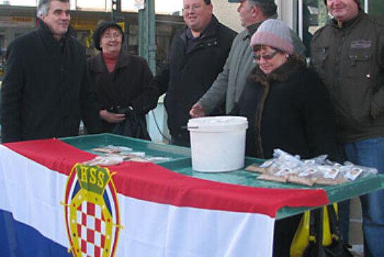 Predstavnici HSS-a dijelili božićnu pšenicu građanima