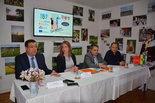 Privredna banka Zagreb potpisala ugovor o donaciji s dvije Daruvarske udruge