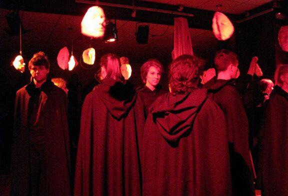Krabulja crvene smrti, predstava Bjelovarskog kazališta; svevremenska priča o smrti