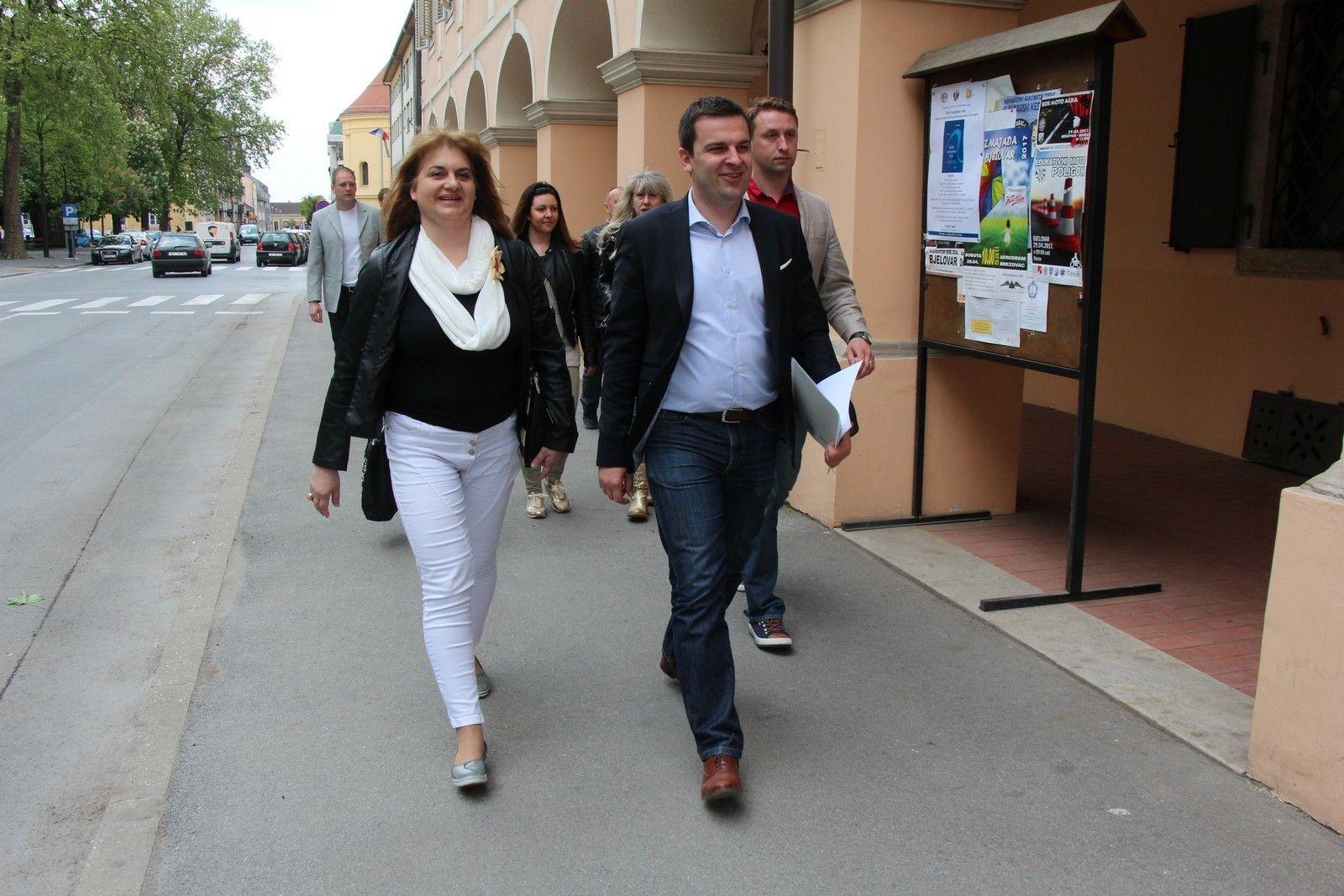 DARIO HREBAK, kandidat za gradonačelnika grada Bjelovara zajedno s kandidatima za zamjenike predao kandidacijsku listu za lokalne izbore