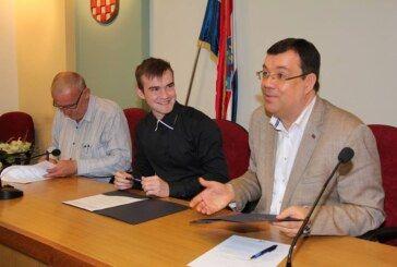 U Bjelovarsko-bilogorskoj županiji dodijeljeno 20 novih stipendija