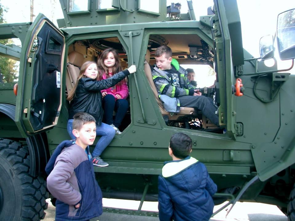 U Danima otvorenih vrata u vojarni Bilogora uživali vrtićanci i osnovnoškolci