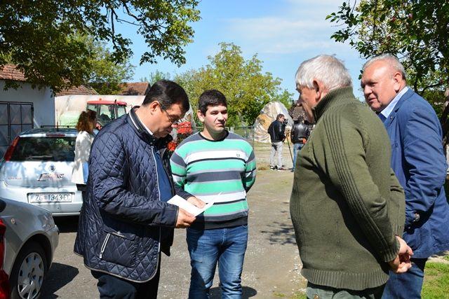 Sve više poljoprivrednika s područja cijele županije zainteresirano za najpovoljniju kreditnu liniju proljetne sjetve do sada