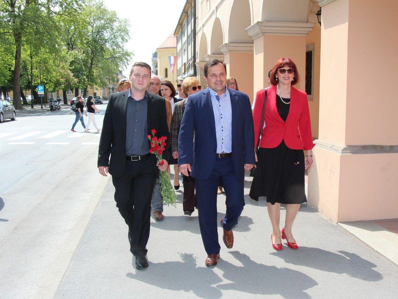 DAVORIN POSAVAC kandidat za gradonačelnika grada Bjelovara predao kandidaturu za gradsku vlast