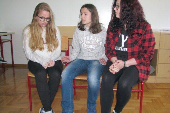 Forum kazalište u kome su sudjelovali bjelovarski srednjoškolci održano u Komercijalnoj i trgovačkoj školi