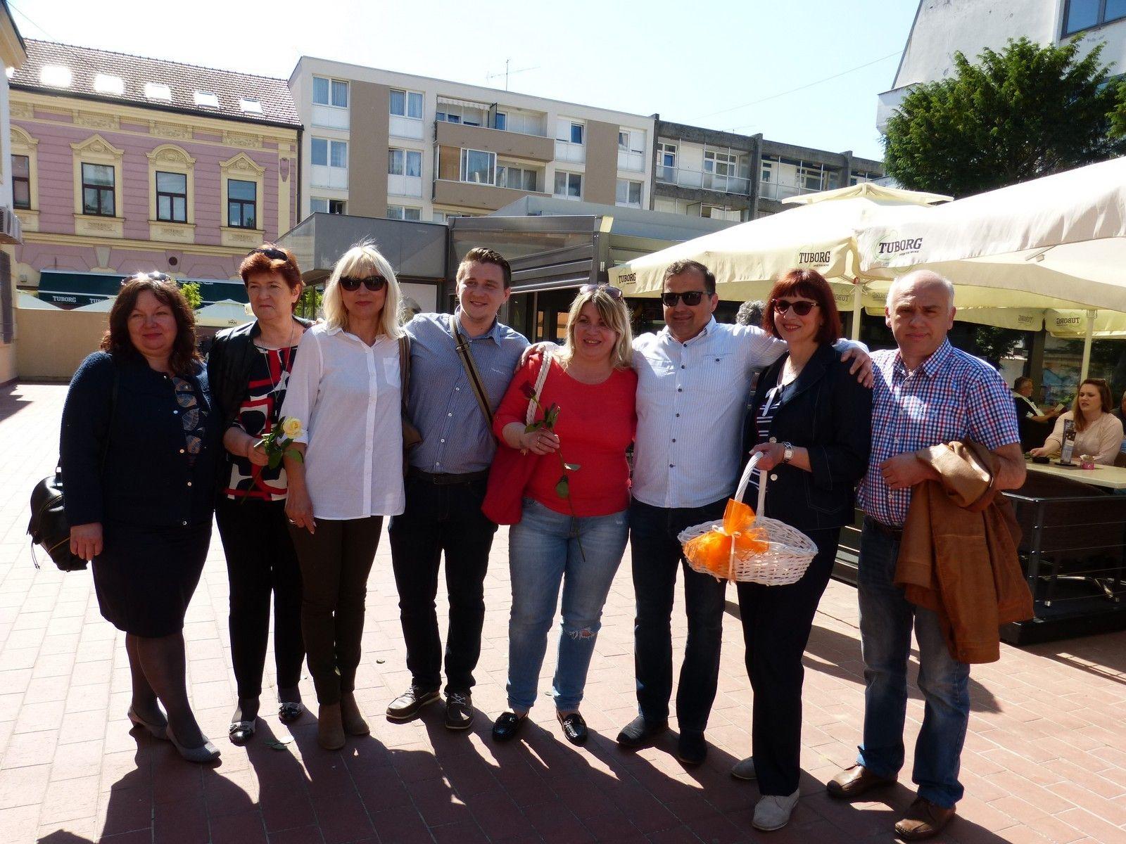 DAVORIN POSAVAC kandidat za gradonačelnika grada Bjelovara obilježio Majčin dan s druženjem s djecom i majkama