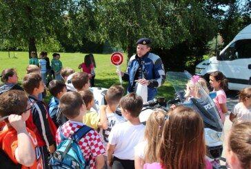 """U III. osnovnoj školi Bjelovar održana preventivna akcija pod nazivom """"Program prometne kulture za najmlađe"""""""