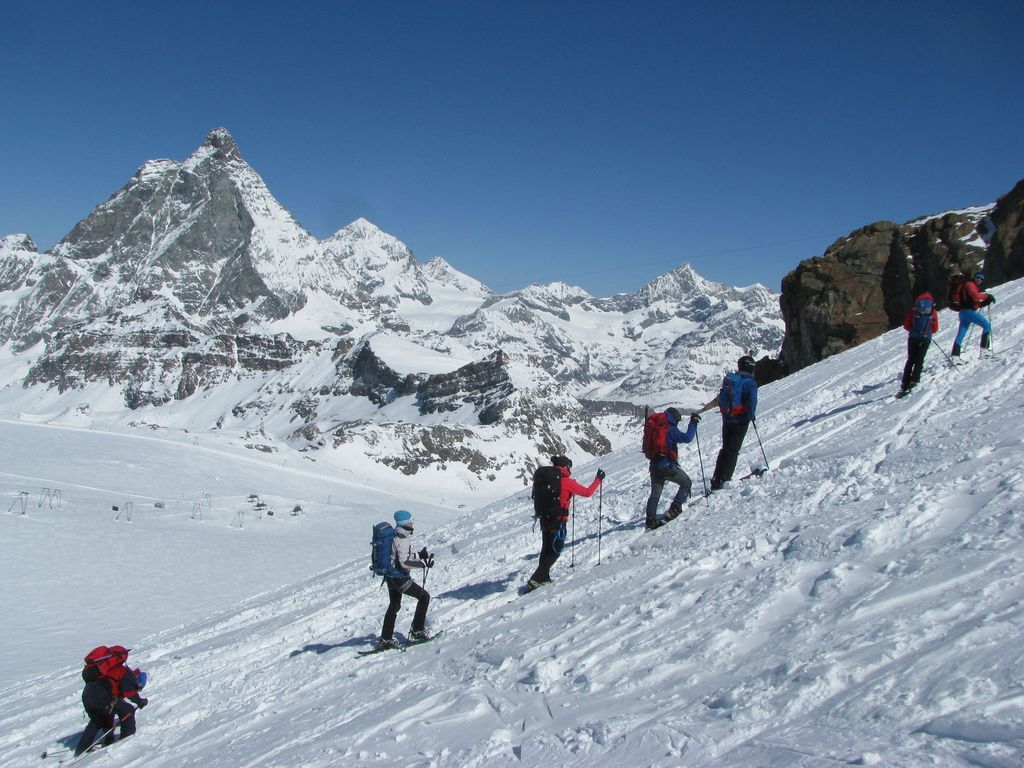 Uspon s pogledom na Matterhorn