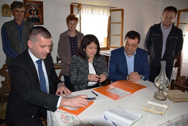 Donacija PBZ-a Češkoj besedi Ivanovo Selo