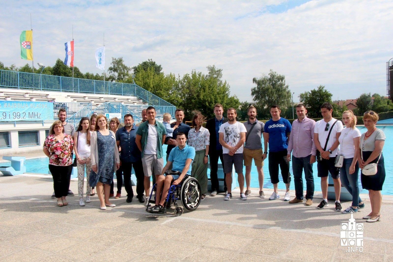Otvorena sezona na Gradskom bazenu u Bjelovaru