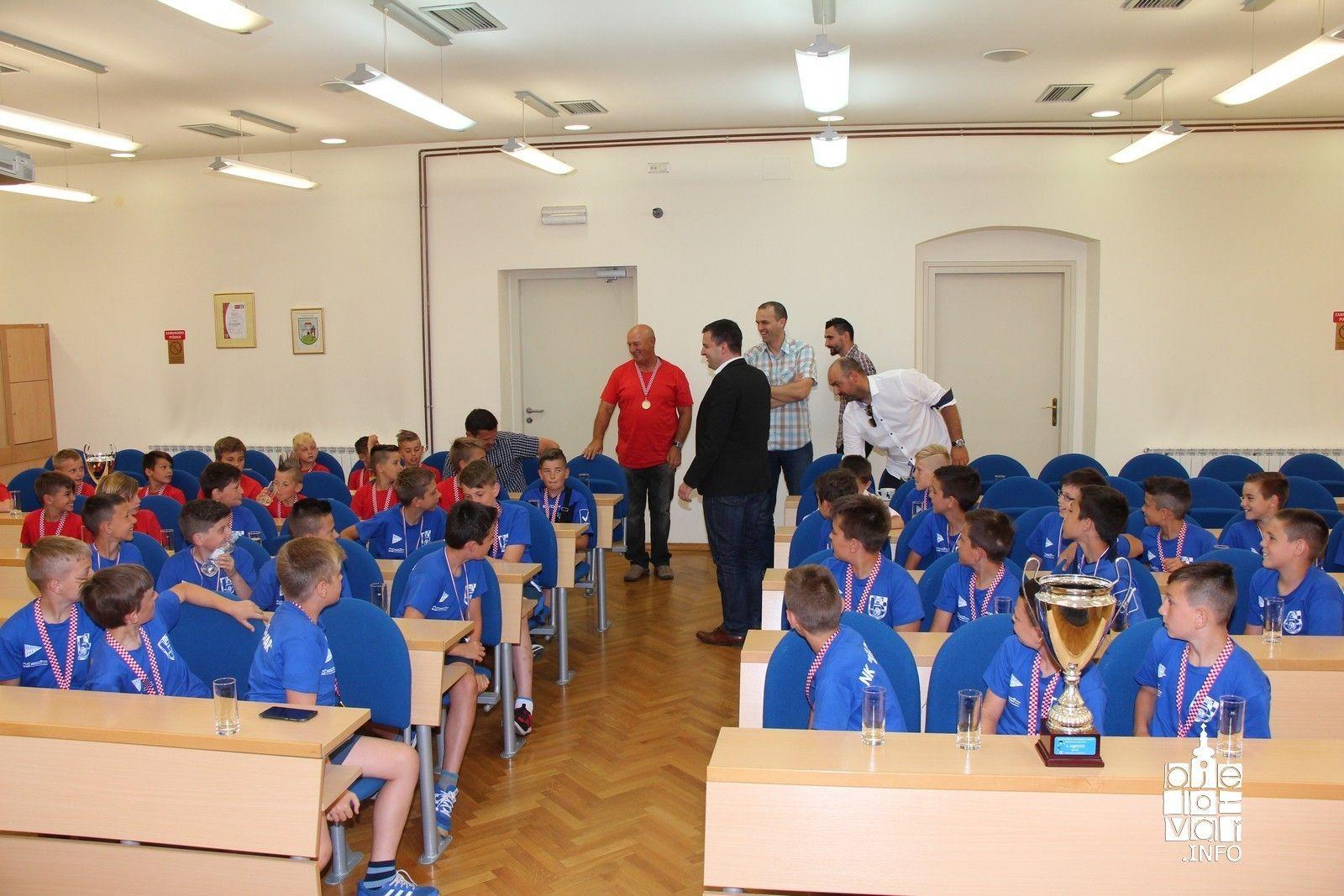 Roditelji malih nogometaša NK Bjelovar zahvalili sponzorima i Gradu Bjelovaru