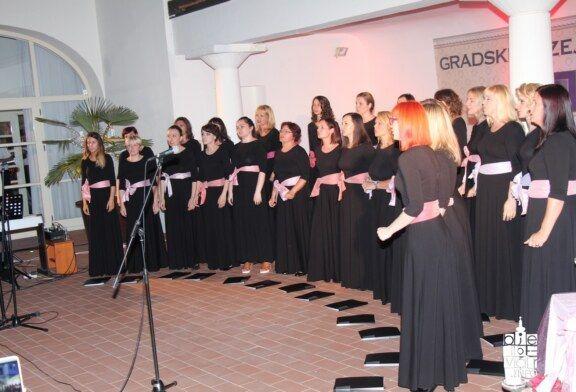 Bjelovarski ženski zbor Vox Feminae s gostima iz Đurđevca oduševio bjelovarsku publiku
