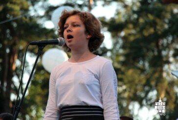 """Najmlađi oduševljeni s """"Djeca, radost, pjesma"""", ovogodišnja Terezijana službeno završila koncertom Klape Intrade i Tomislava Bralića"""