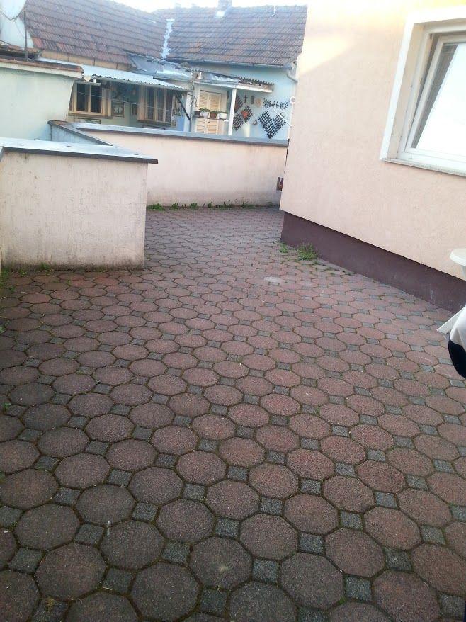 Dvorište 1
