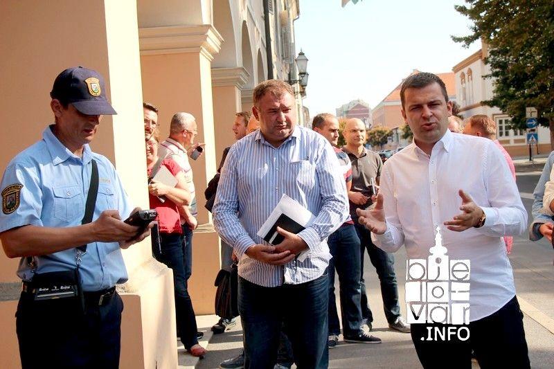 """Grad Bjelovar pokrenuo projekt """"Gradsko oko"""" putem kojeg građani mogu prijaviti oštećenja i nedostatke koje u gradu uoče"""