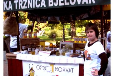"""Krenulo deseto izdanje manifestacije Dani meda """"Pčelari Gradu Bjelovaru"""", skoro svi izlagači iz bjelovarskog kraja"""