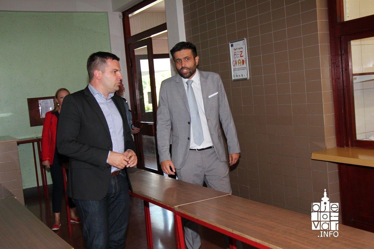 Bjelovarska IV. osnovna škola predstavila novu sjenicu, učionicu školskog vrta i uvođenje e-Dnevnika