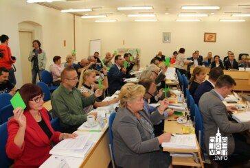 Na sjednici Gradskog vijeća Grada Bjelovara raspravljalo se o poslovniku, manifestacija, dječjim vrtićima, sportskim klubovima te gradnji objekata i uređenju komunalne infrastrukture