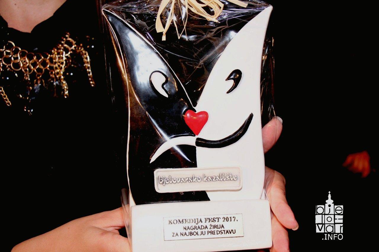 Nagrade i pohvale za kraj Komedija festa