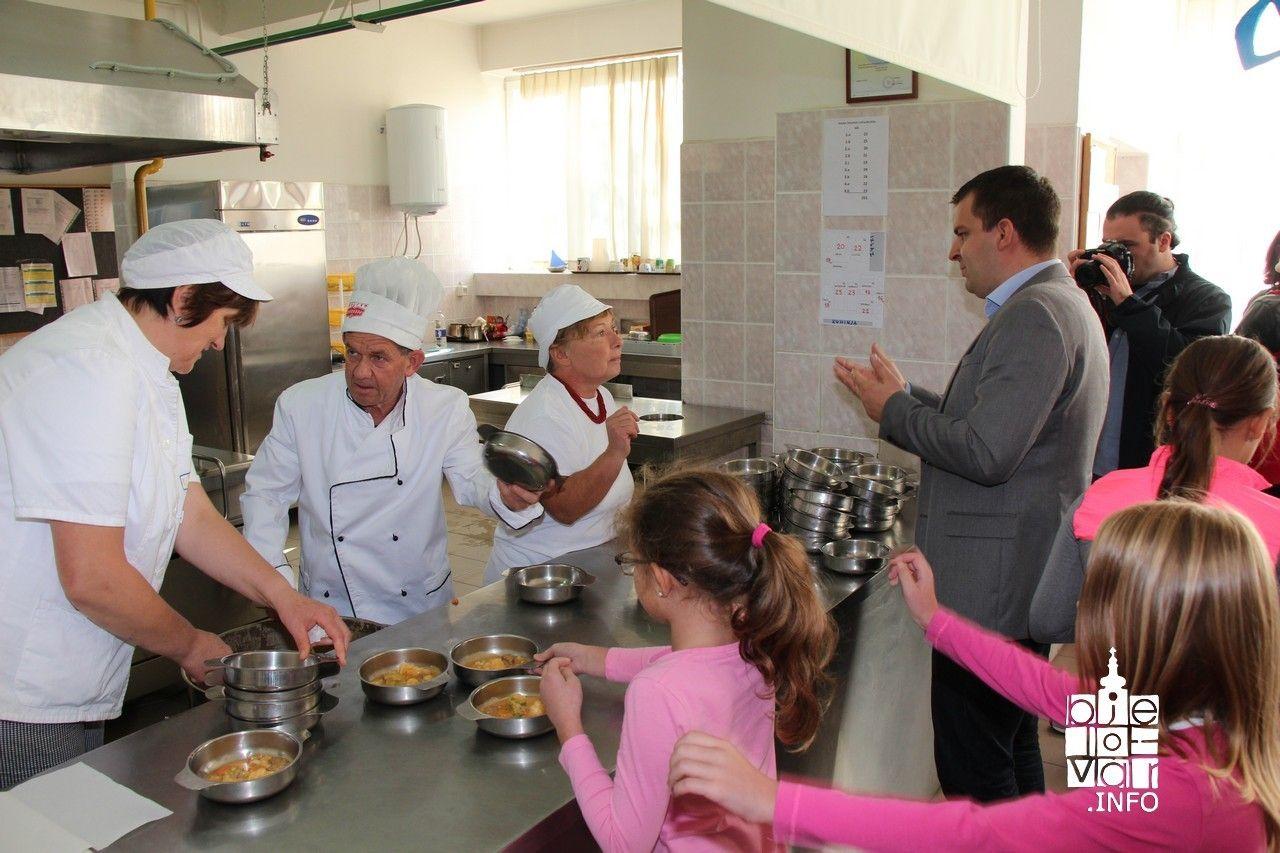 Gradonačelnik Dario Hrebak posjetio I. osnovnu školu Bjelovar