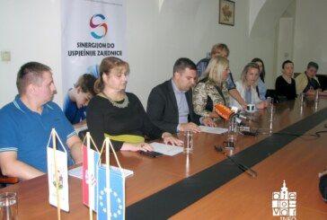 GRAD BJELOVAR – Za 43 učenika u pet bjelovarskih osnovnih škola osigurano 40 pomoćnika u nastavi
