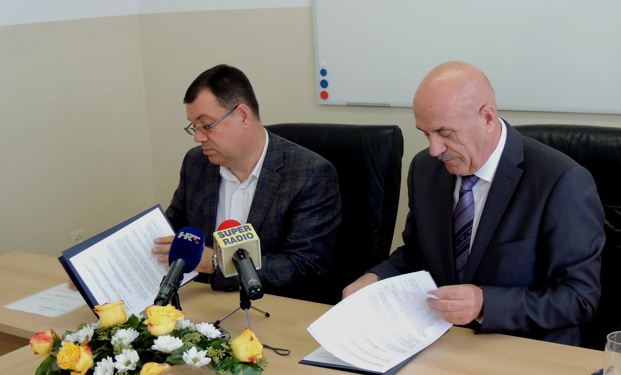Bjelovarsko-bilogorska županija potpisala ugovor o sufinanciranju prijevoza za gotovo 1900 srednjoškolaca
