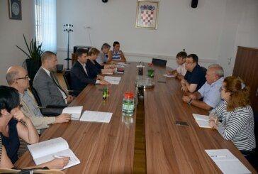 Radni sastanak župana Bajsa i čelnika HŽ infrastrukture i HŽ putničkog prijevoza