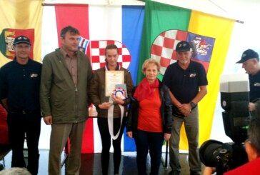 Laura Šapić i Midnight Rain iz KK Vinia državne prvakinje na 80 km