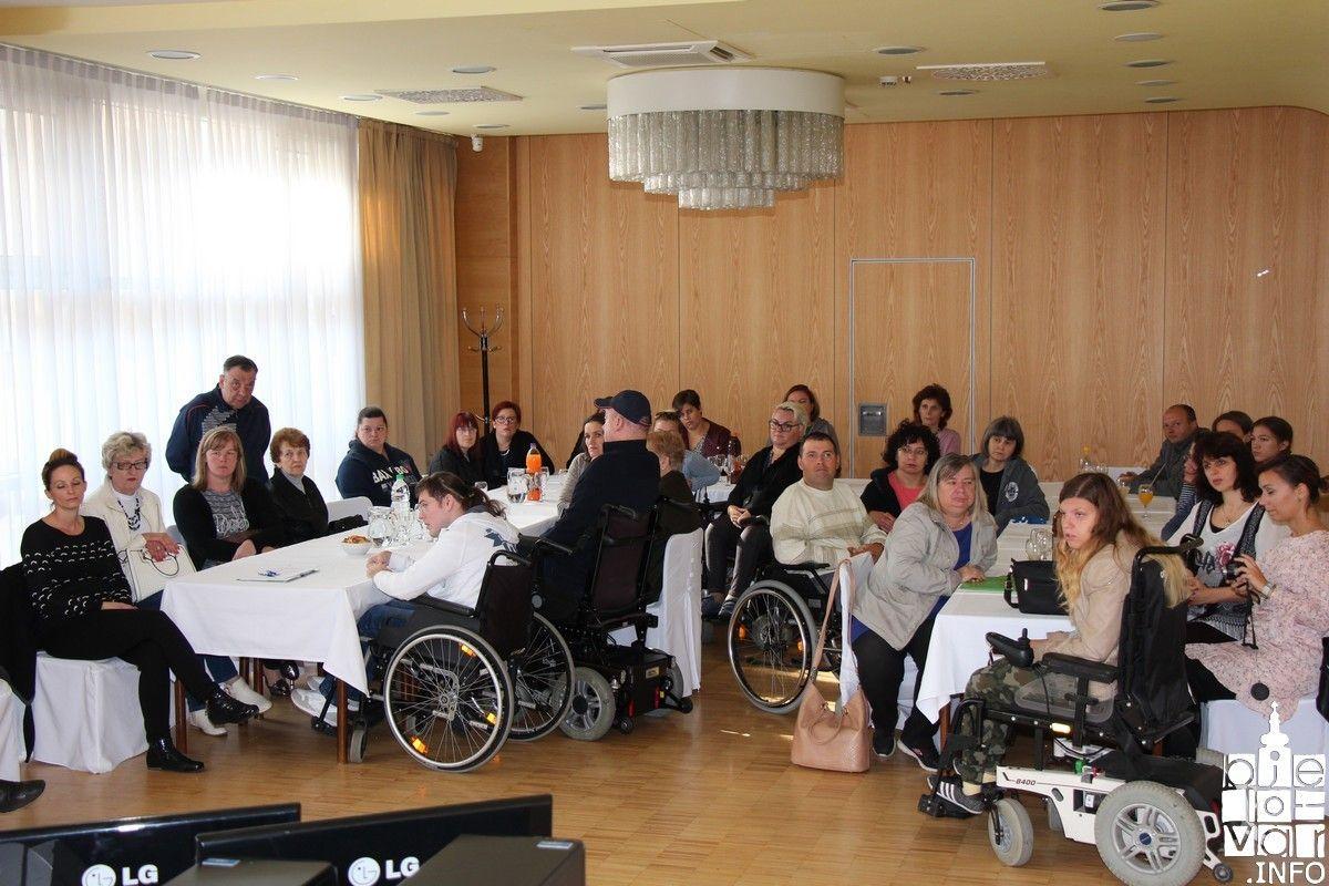 Za 14 osoba s invaliditetom osigurani osobni asistenti na period od dvije godine