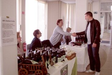 U Bjelovaru održan sajam ekoloških proizvođača, od sokova i slastica do povrća