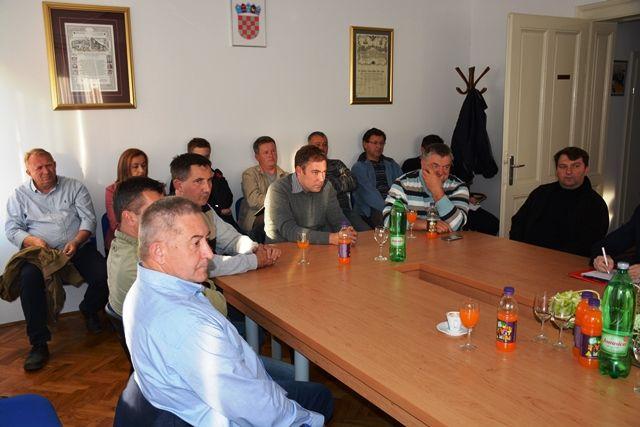 Županija predstavila natječaje i domaćim obrtnicima za građevinske radove na županijskim školama i Domovima zdravlja