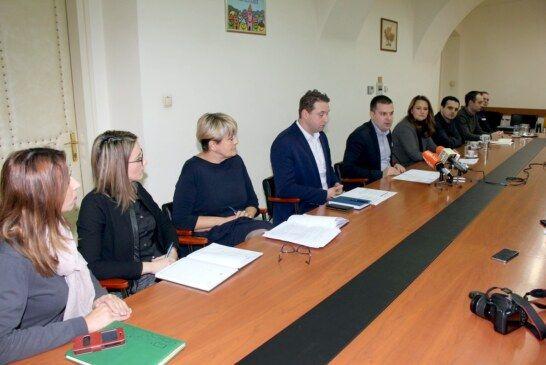 Gradonačelnik Hrebak na konferenciji o gospodarskom razvoju i novim tehnologijama: Do sada Grad Bjelovar nije bio otvoren prema IT sektoru, želimo to promijeniti i postati sjedište