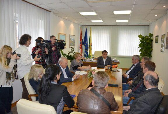 Županijski poduzetnici i obrtnici pozvani da se jave na natječaj za obnovu županijskih škola i domova zdravlja