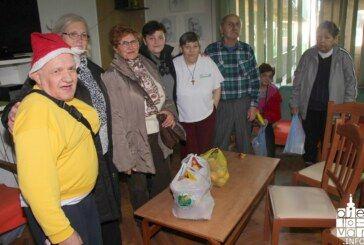 Žene Kluba Bjelovar povodom nadolazećih blagdana posjetile štićenike Doma za starije i psihički oboljele osobe u Bjelovaru