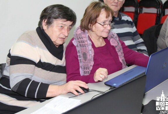 Zahvaljujući Bjelovarsko-bilogorskoj županiji, umirovljenici uživaju u surfanju na društvenim mrežama