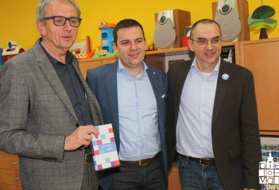 Micro:bit tehnologija stigla u bjelovarsku knjižnicu i već je postala hit naših mališana, ali i odraslih