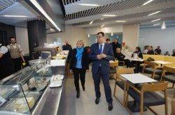 Župan Bajs u Daruvaru obišao Češku osnovnu školu, željeznički kolodvor i Specijalnu bolnicu Daruvarske toplice
