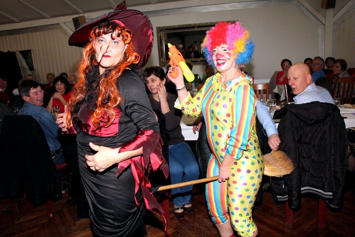 Ludu i otkačenu zabavu pod maskama organizirale članice Kluba žena Bjelovar