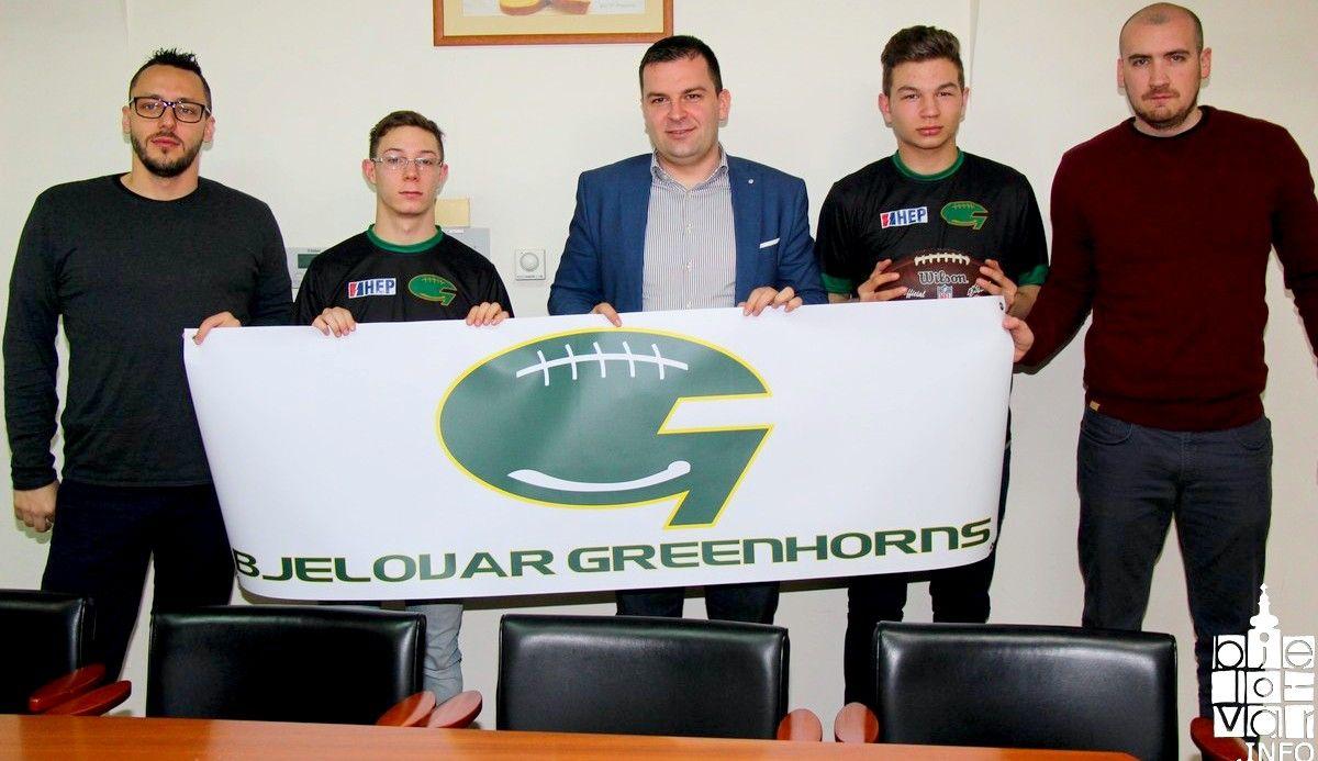 Gradonačelnik Hrebak organizirao prijem za članove Kluba američkog nogometa Bjelovar - Greenhorns